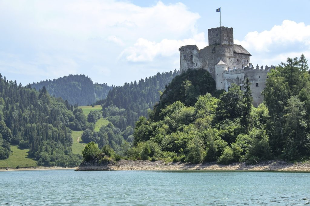 castle ruins, pieniny top, poland